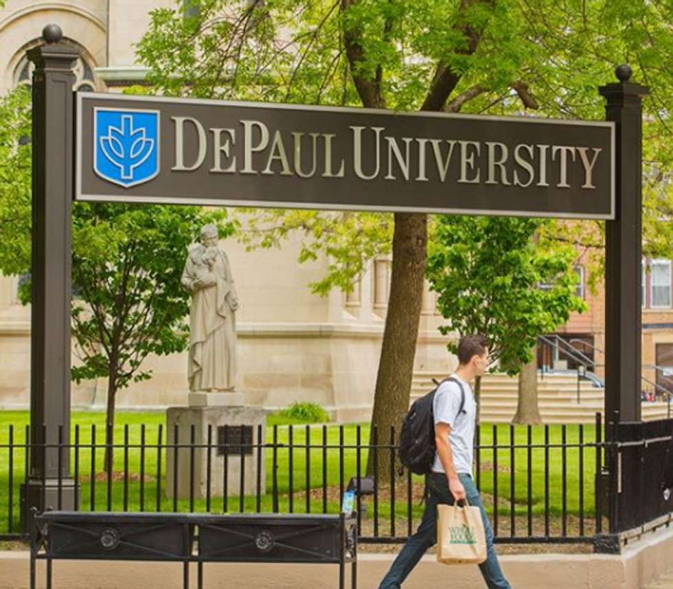 10 Places In Chicago That Give Discounts To DePaul Students, Just Bring Your ID