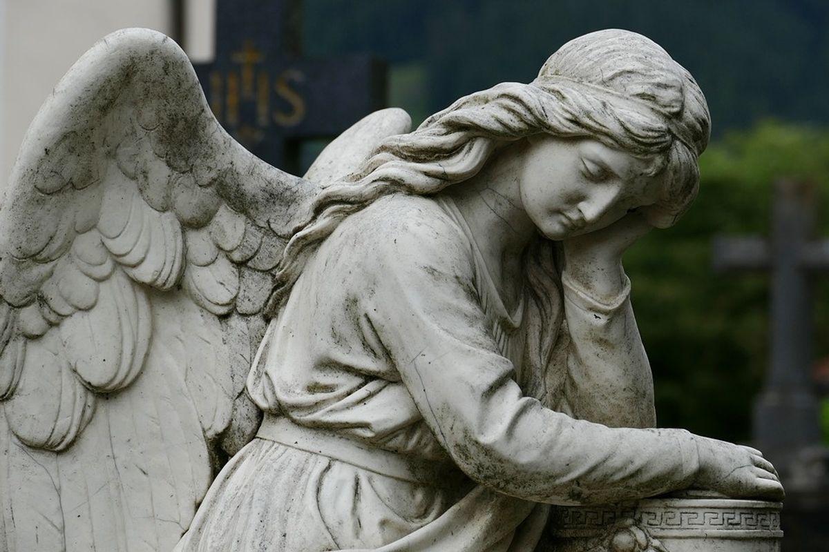 «Liberi» di morire, obbligati a non vivere più