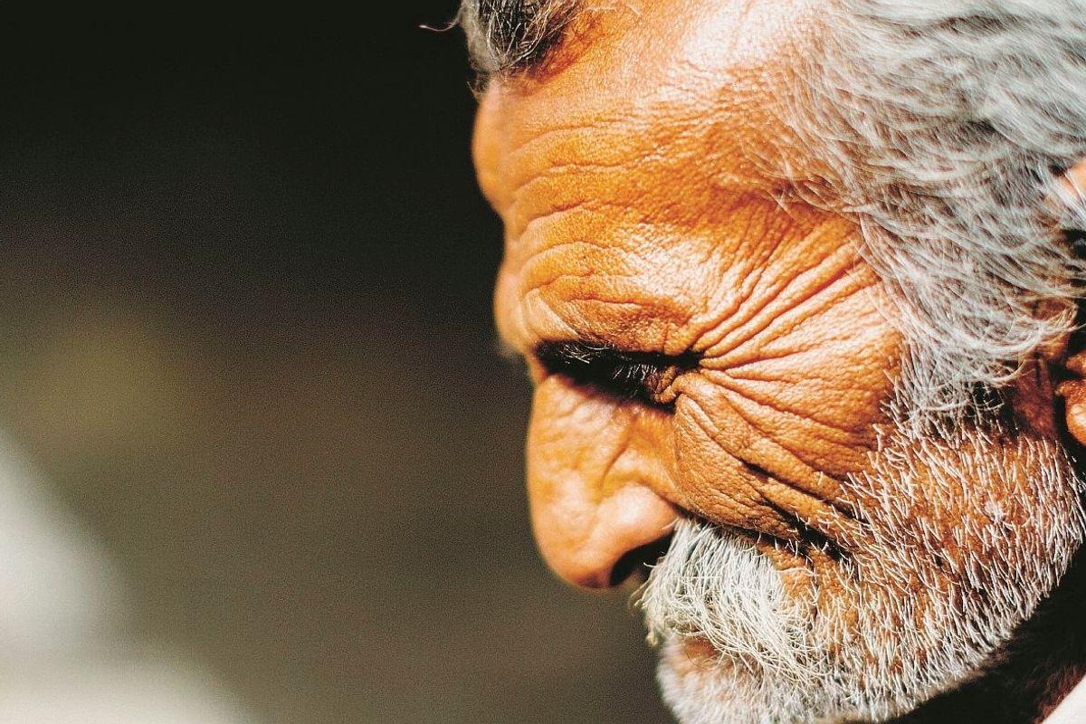 Imparate a leggere tra le rughe la felicità da vecchi