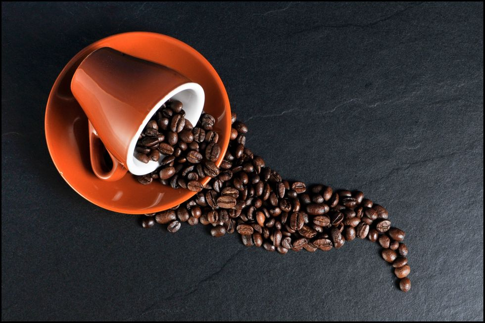 https://pixabay.com/en/coffee-cup-coffee-beans-coffee-cup-171653/