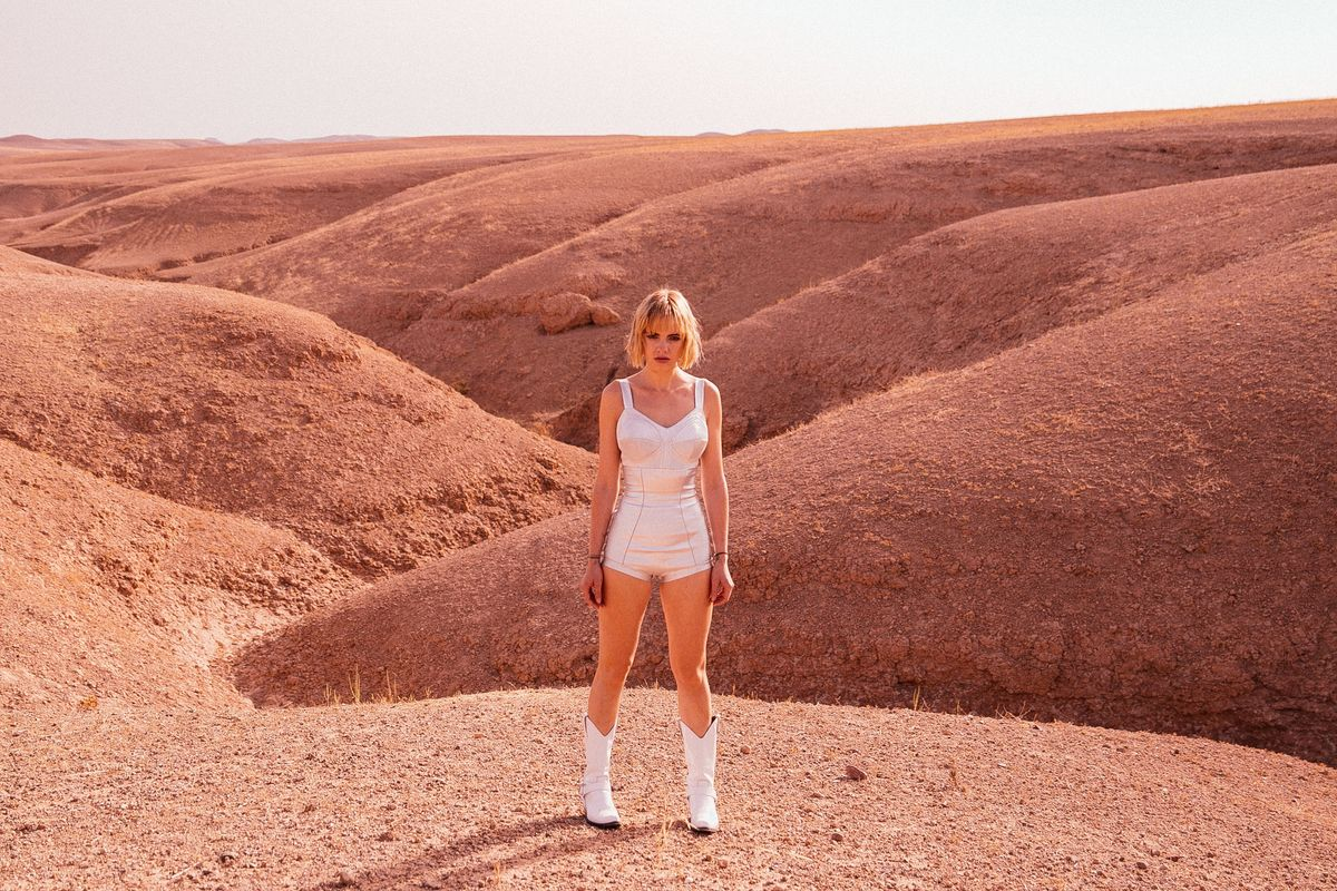 Anteros Finds Freedom In the Desert