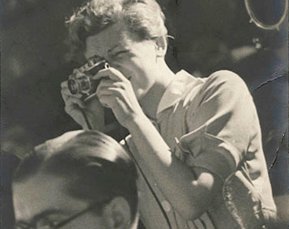 «La ragazza con la Leica fu un talento, anche nell'inventarsi Robert Capa»
