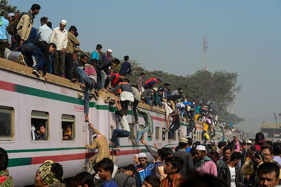 What's the Psychological Impact of Overpopulation? Here's a Horrific Experiment