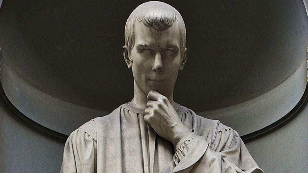 Machiavelli Statue