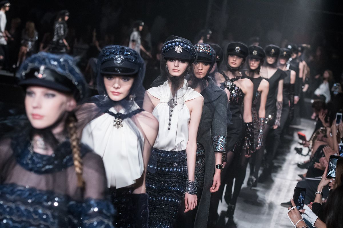 Chanel's Pre-Fall 2019 Métiers d'Art Collection Is Coming to New York