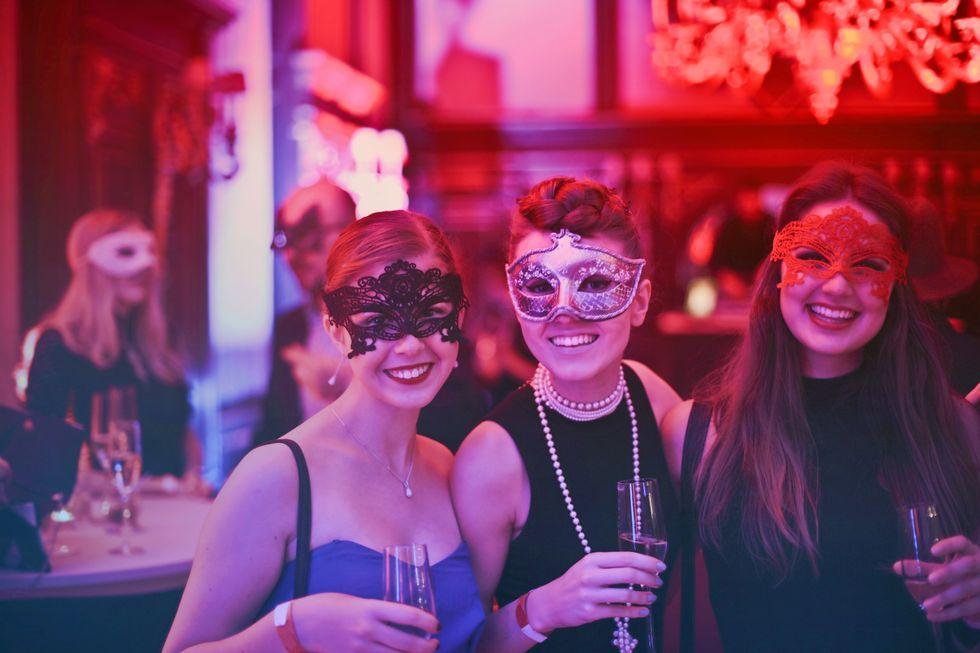 https://www.pexels.com/photo/photo-of-women-wearing-masks-787961/