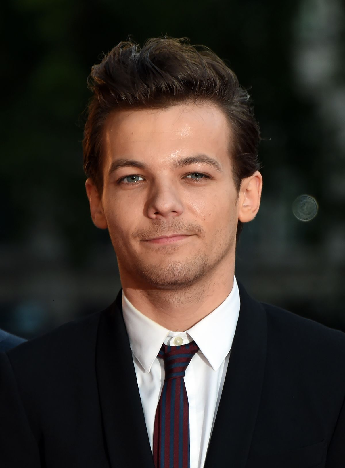 It's Official: One Direction's Louis Tomlinson Is Having A Girl!