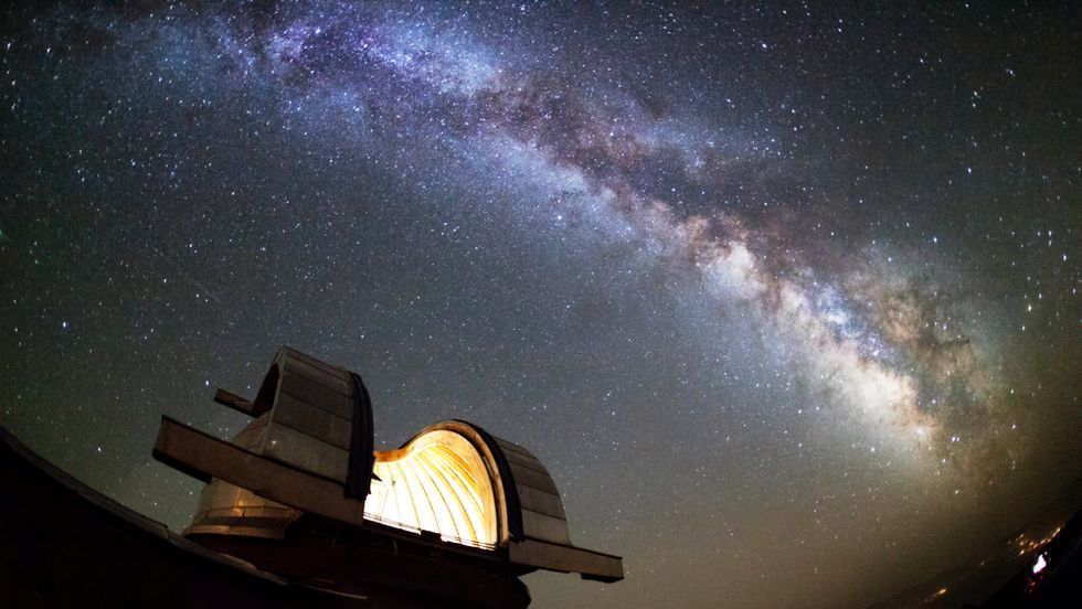 Why Scientists Are Speculating About 'Alien Superstructures' Around an Irregular Star