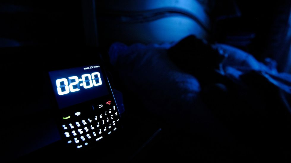 What Happens When We Check Our Smartphones before Bed?