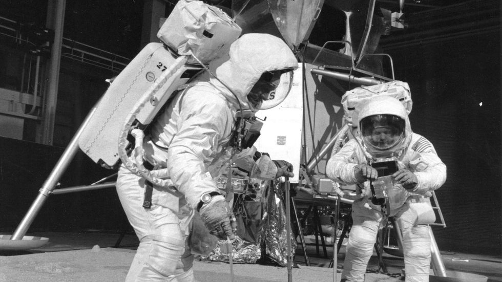 What's the Probability That the Moon Landing Was All a Hoax? One Man Has Done the Math.