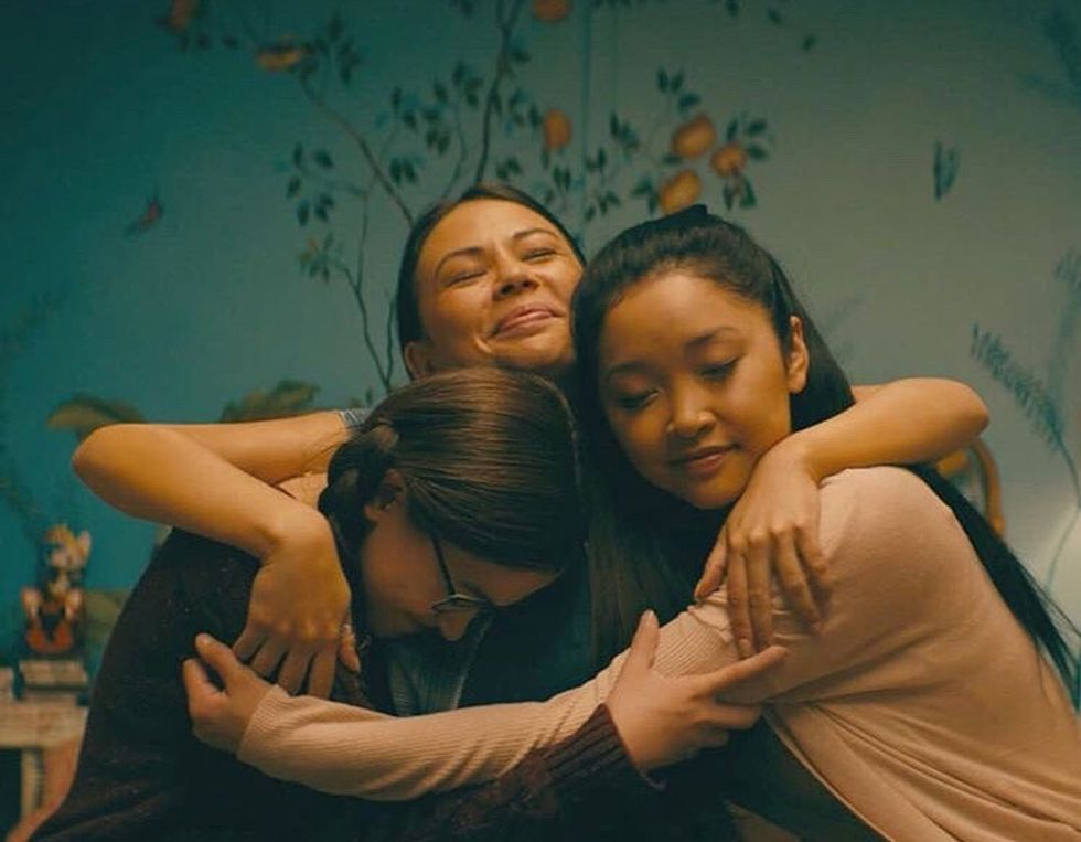 to all the boys i've loved before kitty margot and lara jean hug