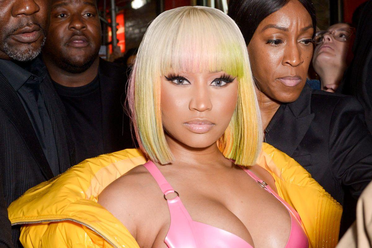 Nicki Minaj Debuts Rainbow Bob at NYFW