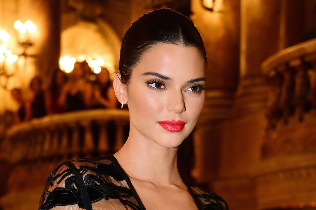 Twitter Body Shames Kendall Jenner After Nude Photos Are Leaked