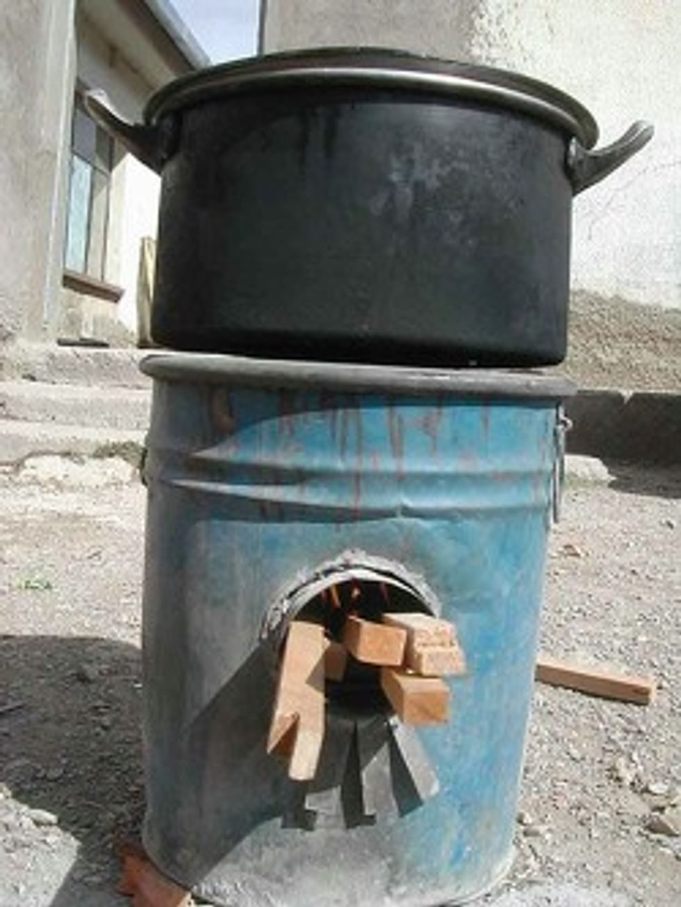 Rocket Stove Launches Third World Into Green Orbit