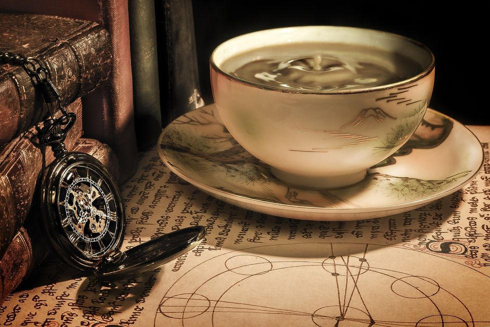 https://pixabay.com/en/coffee-tea-time-cup-drink-antique-1869647/