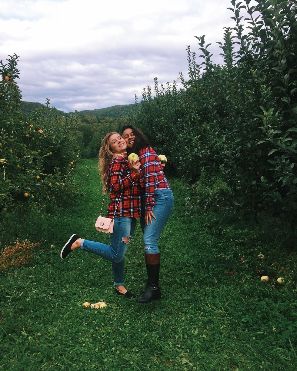 6 Fall Activities For You And Your Roommates, Because We Don't All Have Boyfriends