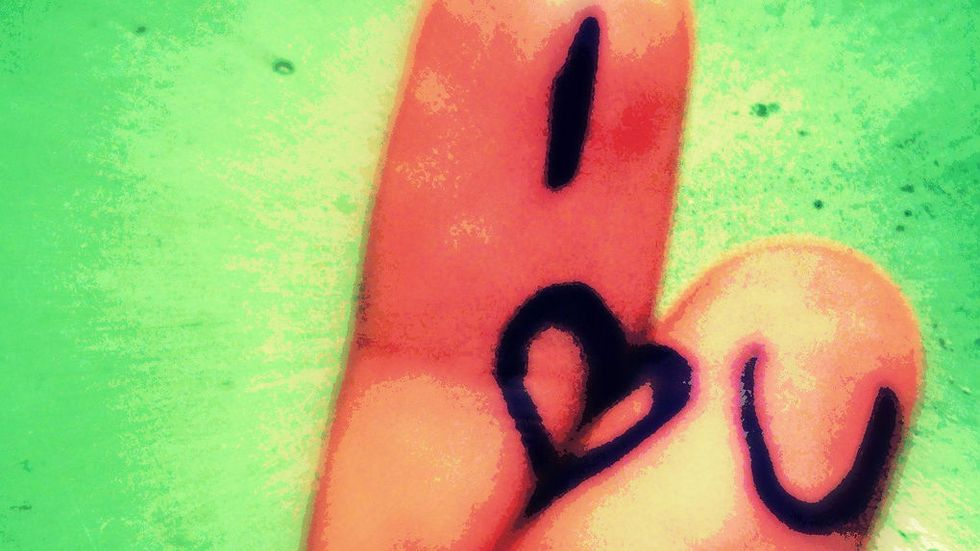 "Cultures converge as ""I love you"" becomes ""I<3U"""