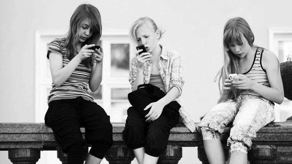 When Does Teen Mobile Usage Become An Addiction? How to Mitigate Excessive Use