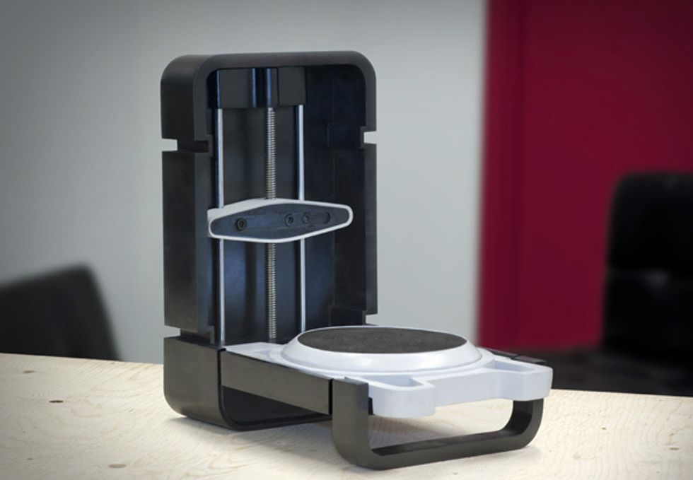 Matterform's Affordable Home 3D Scanner Outgrows  Production Facility and Now Has Color Scanning