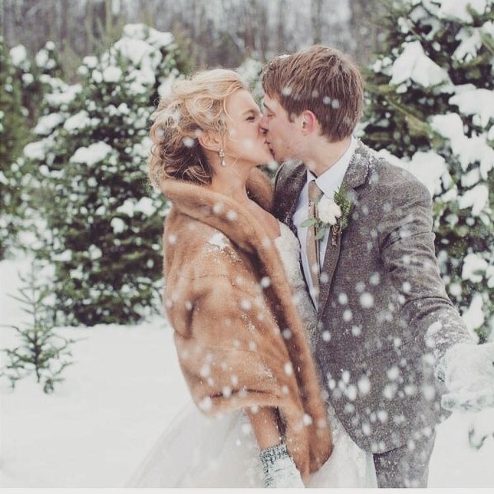 8 Winter Wedding Color Schemes That Will Make You Immediately Want To Tie The Knot Under A Snowy Night Sky