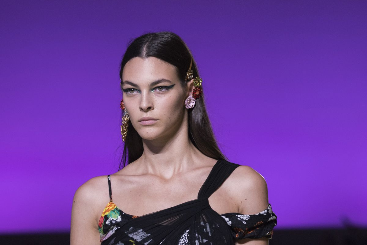Breaking Beauty: Versace Modernizes the Cat-Eye