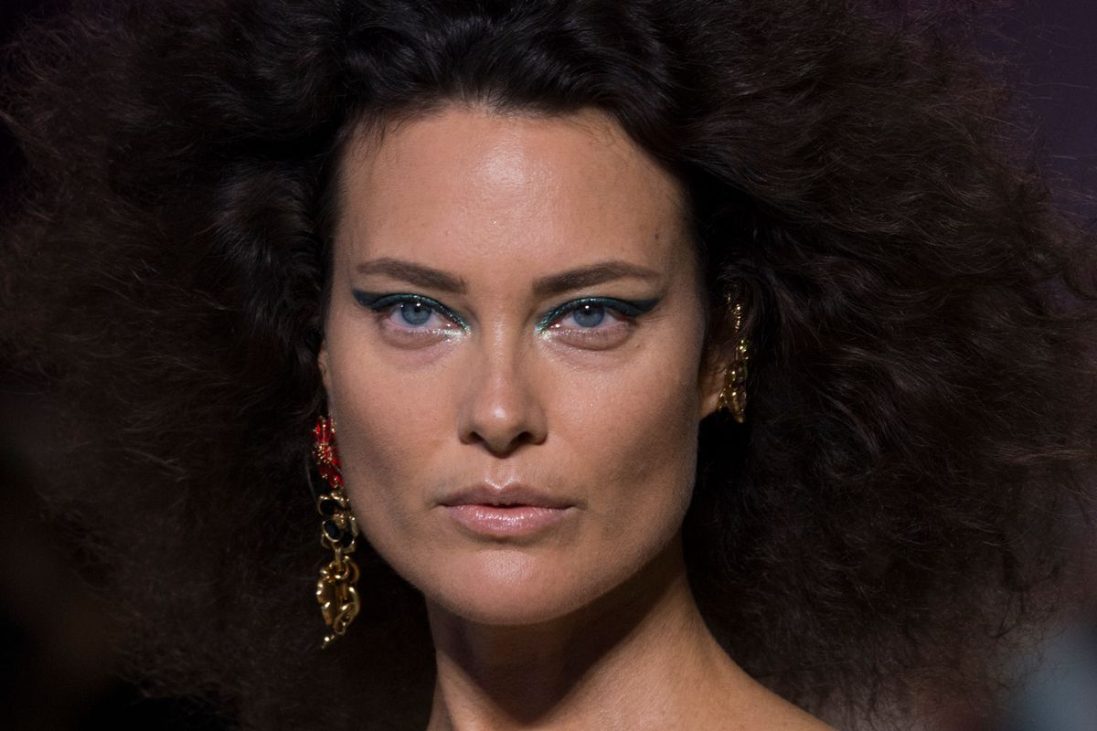 '90s Supermodel Shalom Harlow Returns to the Versace Runway