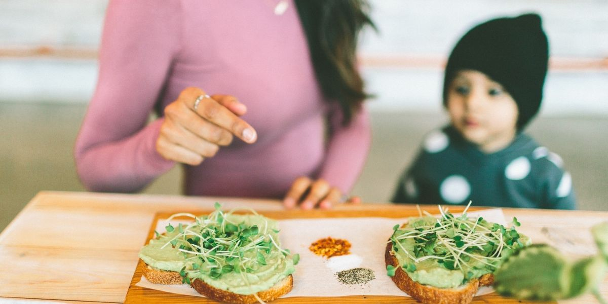 15 proven ways to get your kids to eat healthier meals 🥙