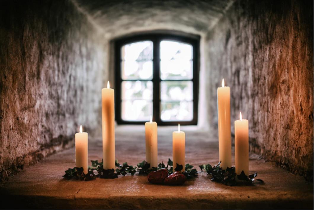Unsplash- Candles