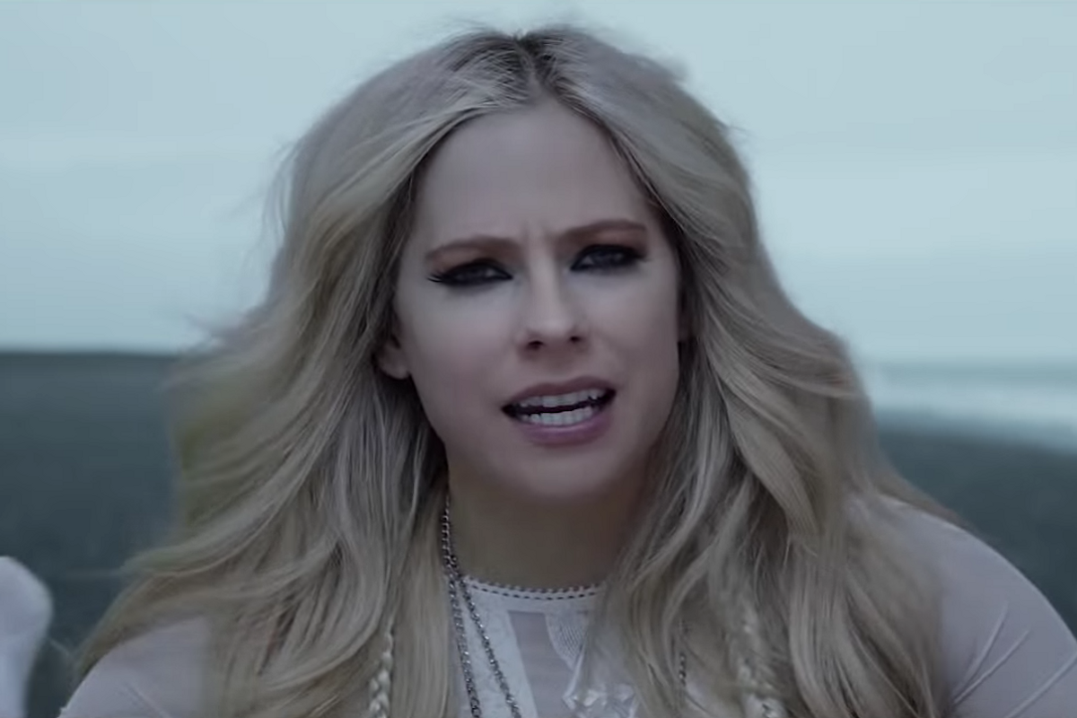 Avril Lavigne Nearly Drowns In Music Video For 'Head Above Water'
