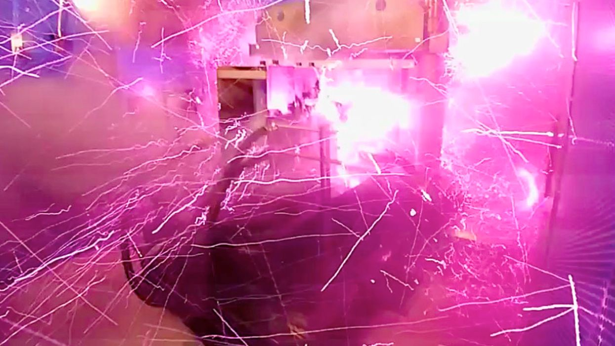 Magnetic field explosion, a new record of 1,200 teslas