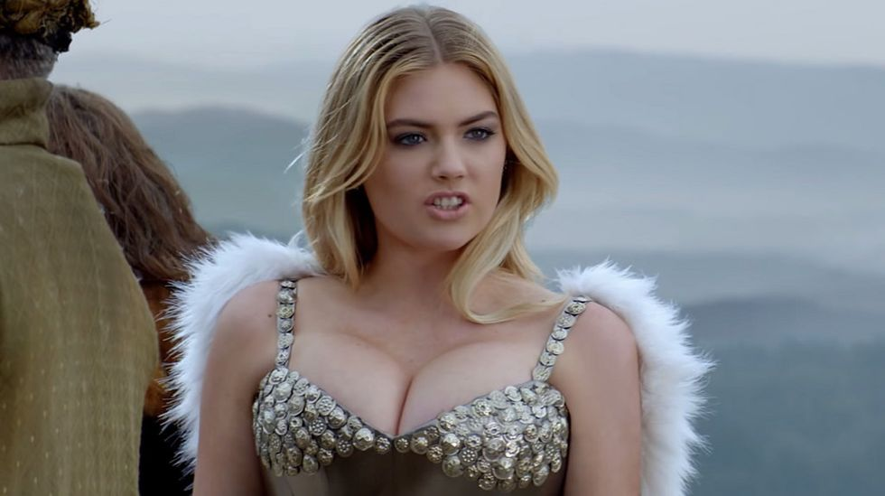 5 Complaints Every Girl With Big Boobs Desperately Wants To Get Off Her Chest