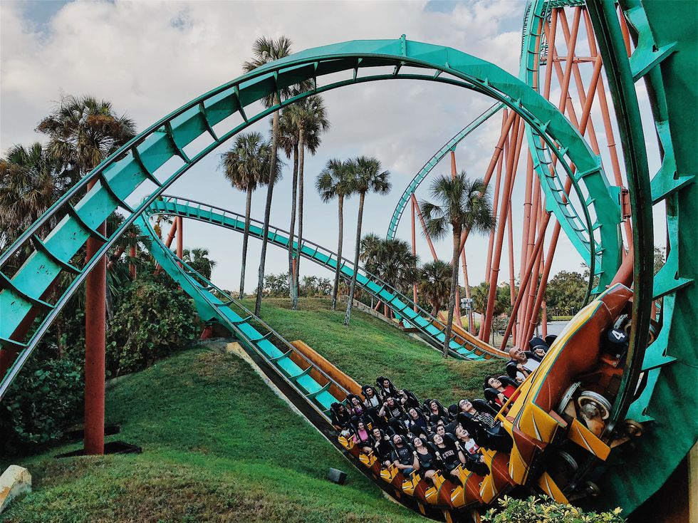 14 Real Confessions Of A Theme Park Employee