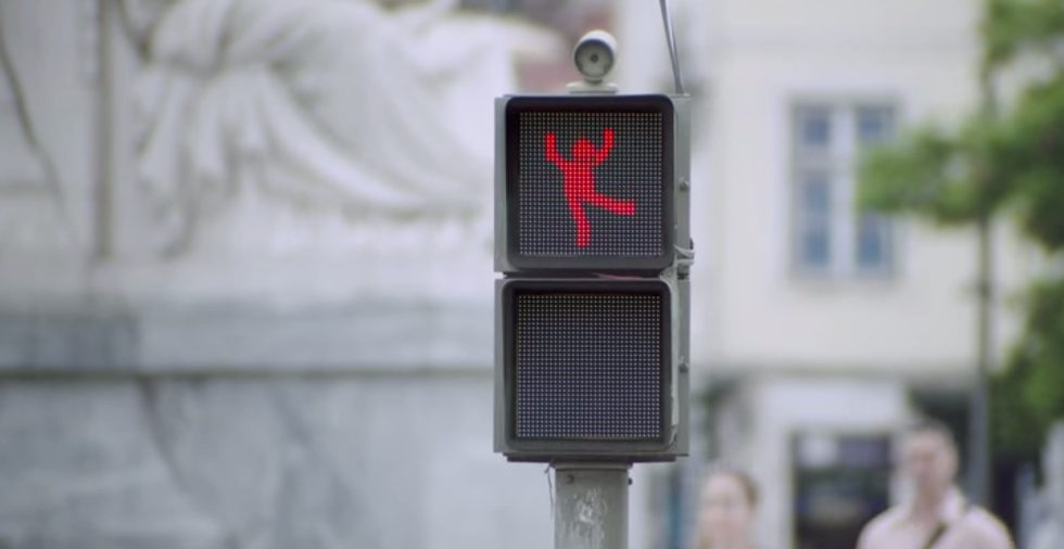 This Clever Traffic Light Makes The City Safer For Pedestrians By... Dancing