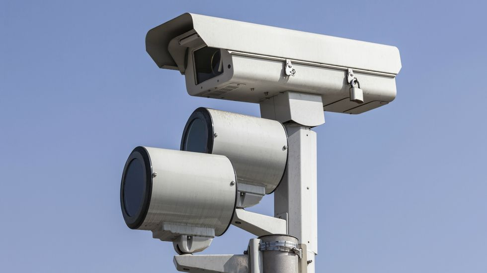 Study: Red Light Cameras Ineffective, Cause More Accidents