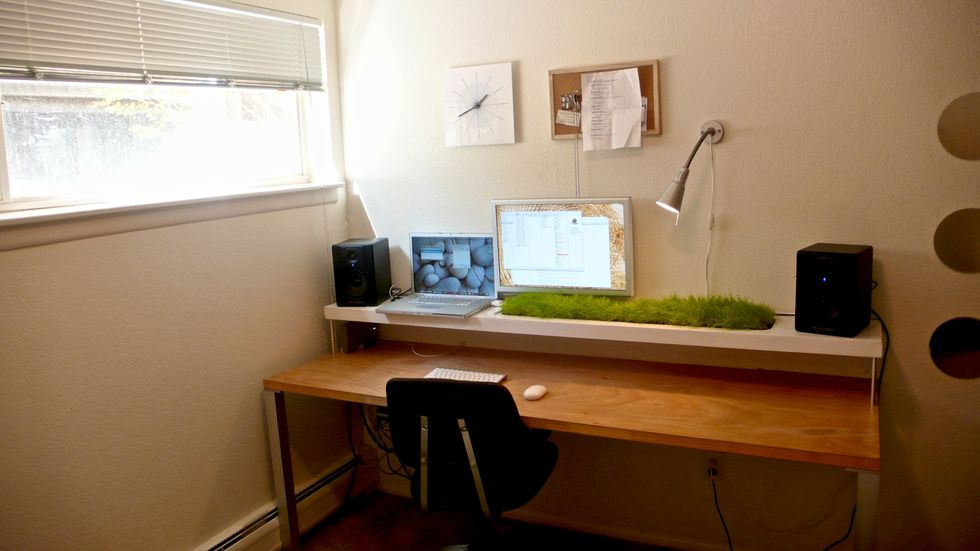 A Clean Desk May Help You Work Though Frustrating Tasks