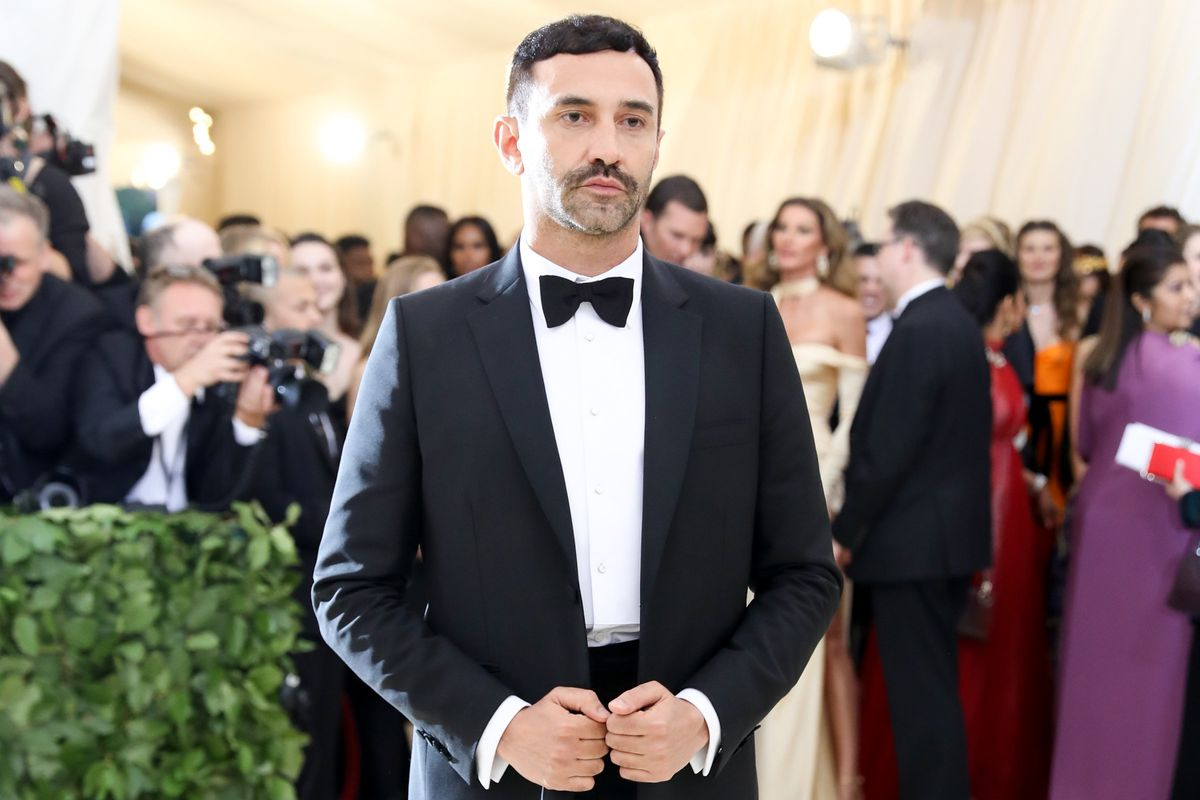 Riccardo Tisci Released His First Piece for Burberry