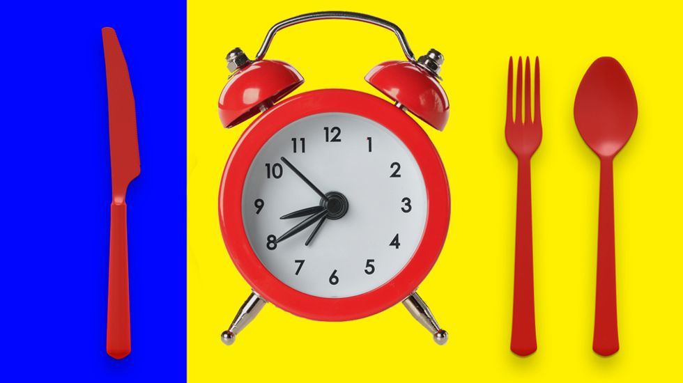 Caution to late eaters: New study links meal times to cancer