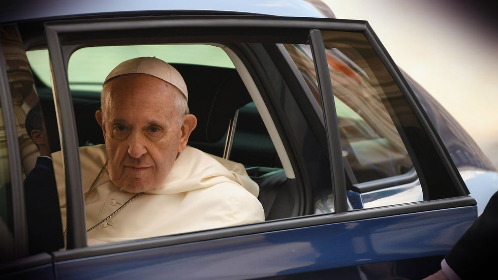 Pope Francis arrives to meet dignitaries at Dublin Castle on August 25, 2018. (Photo by Jeff J Mitchell/Getty Images)