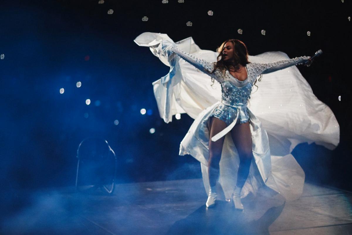Beyoncé Previews More of Riccardo Tisci's Burberry
