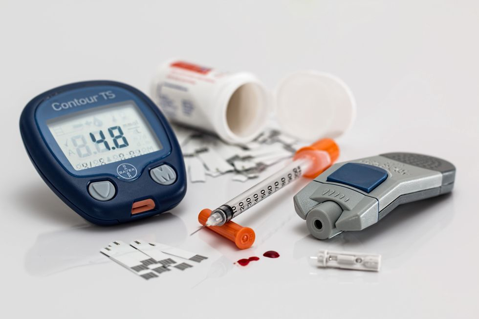 https://www.pexels.com/photo/health-medical-medicine-diet-46173/