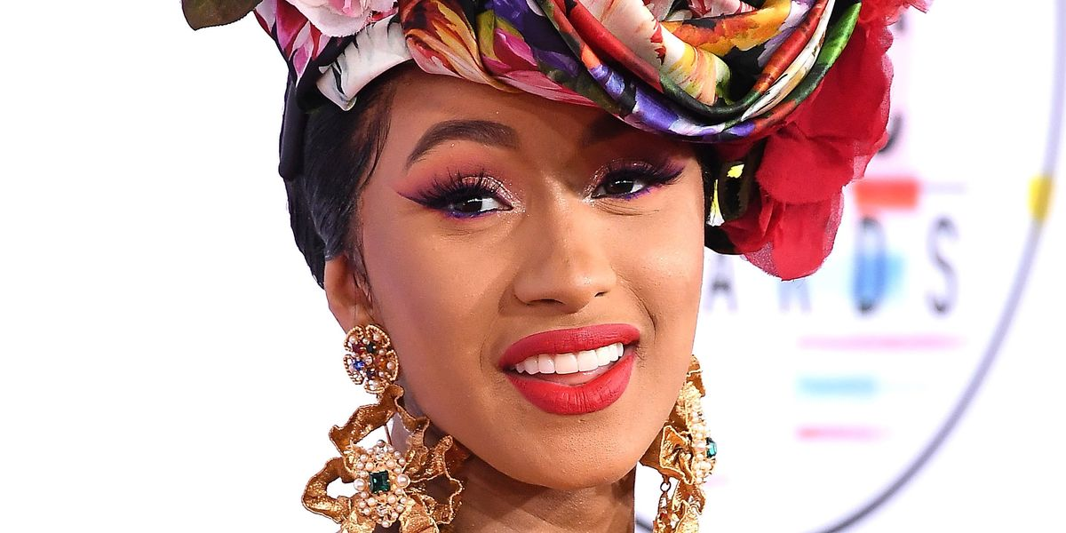 Cardi B Hands Out Winter Clothes to People In Need
