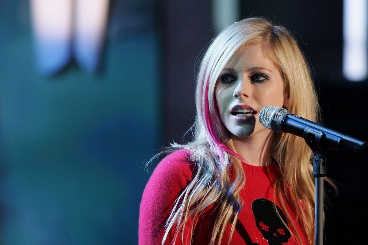 Avril Doesn't Think She Has 'Resting Bitch Voice'