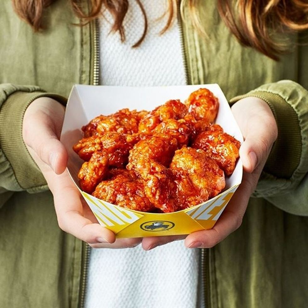 An Official Review Of All 21 Of The Buffalo Wild Wings Sauces And Yes, Spicy Garlic Is The Best Of All Time
