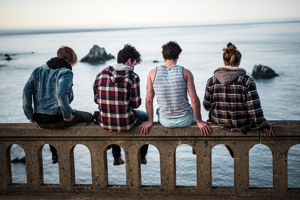 To The Transfer Student Struggling To Make Friends, You Aren't Alone In Feeling Lonely