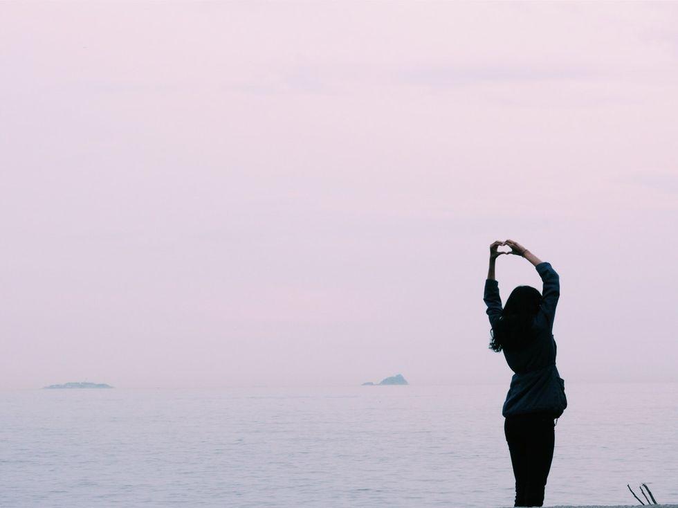 https://www.pexels.com/photo/sea-sky-love-girl-66758/