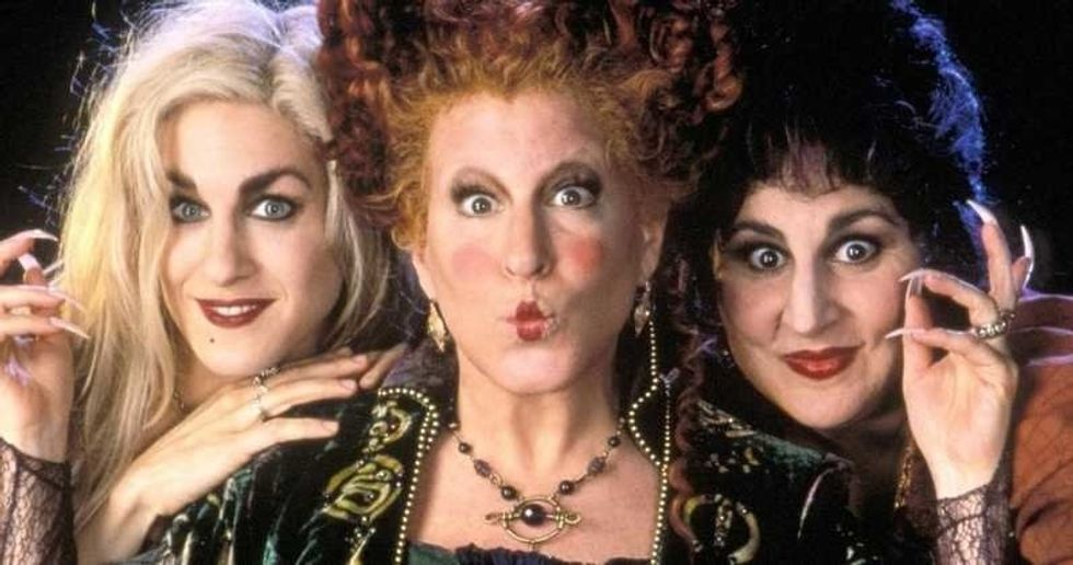 The Spooks And Scares Of College, But It'sAll 'Hocus Pocus' .GIFs