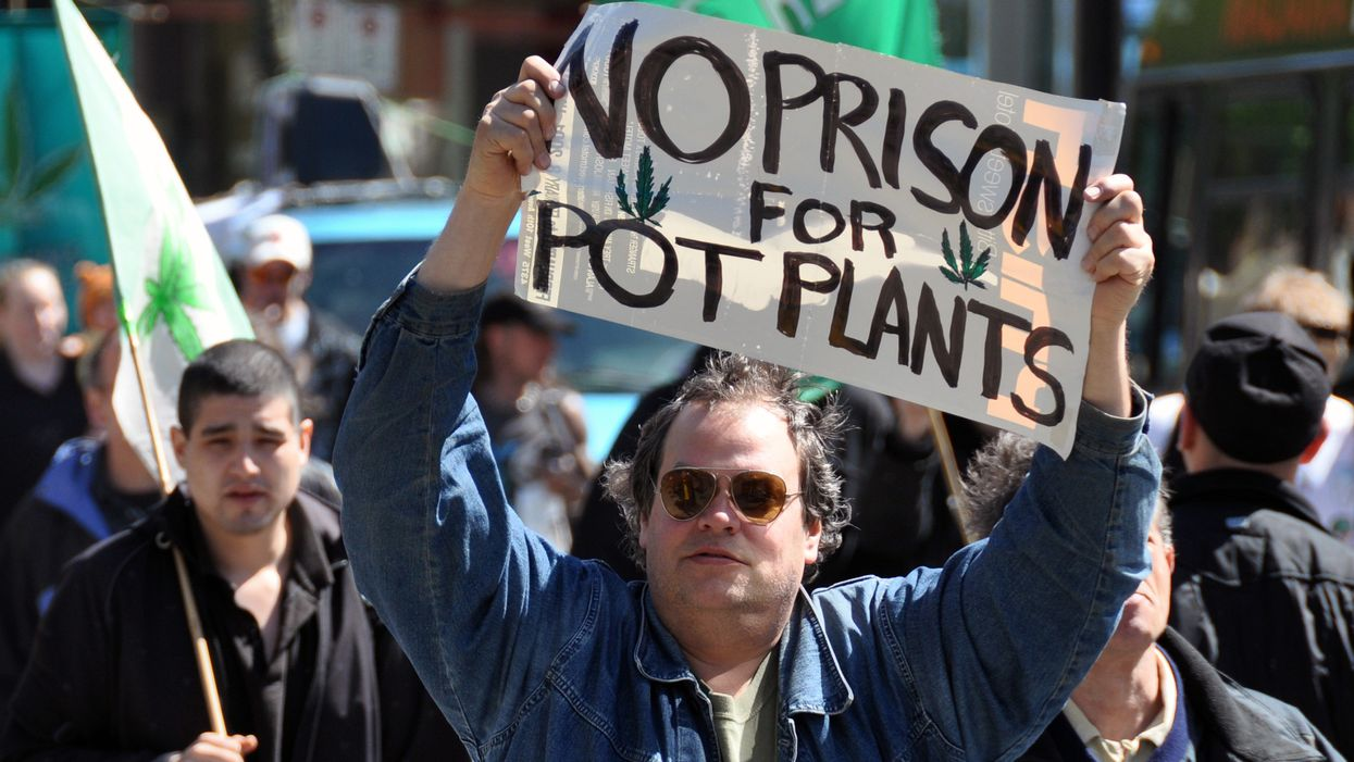 Canada offers pardons to citizens with pot possession charges