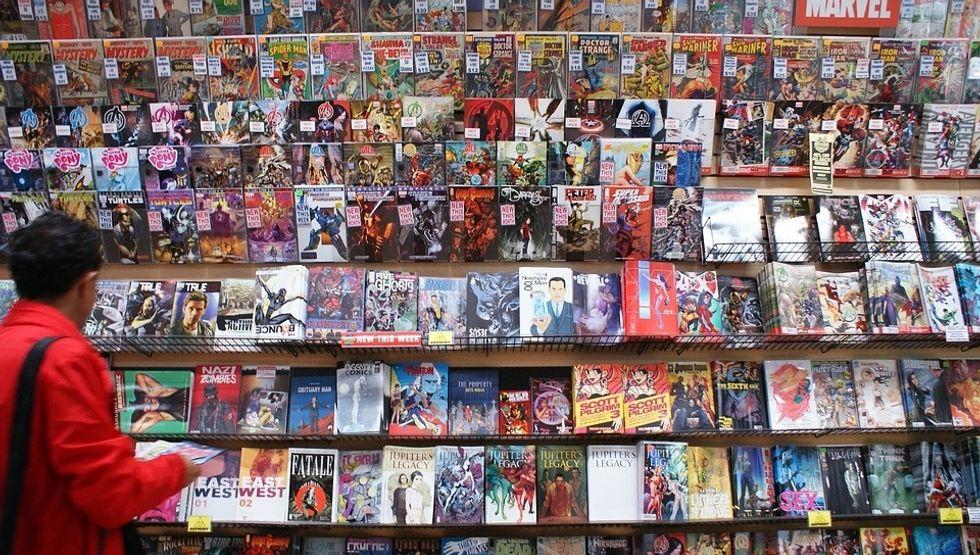 https://pixabay.com/en/comic-book-marvel-books-shop-1393153/
