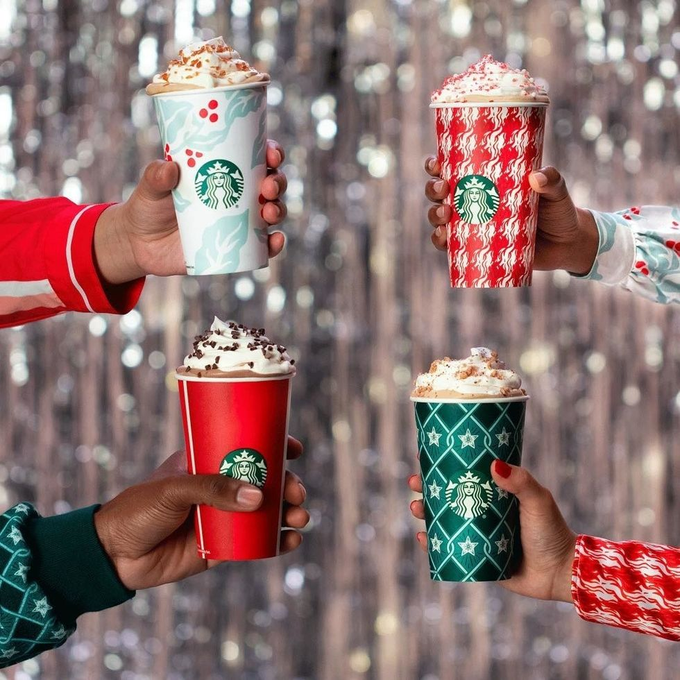 You Need to Try These Vegan Holiday Starbucks Drinks