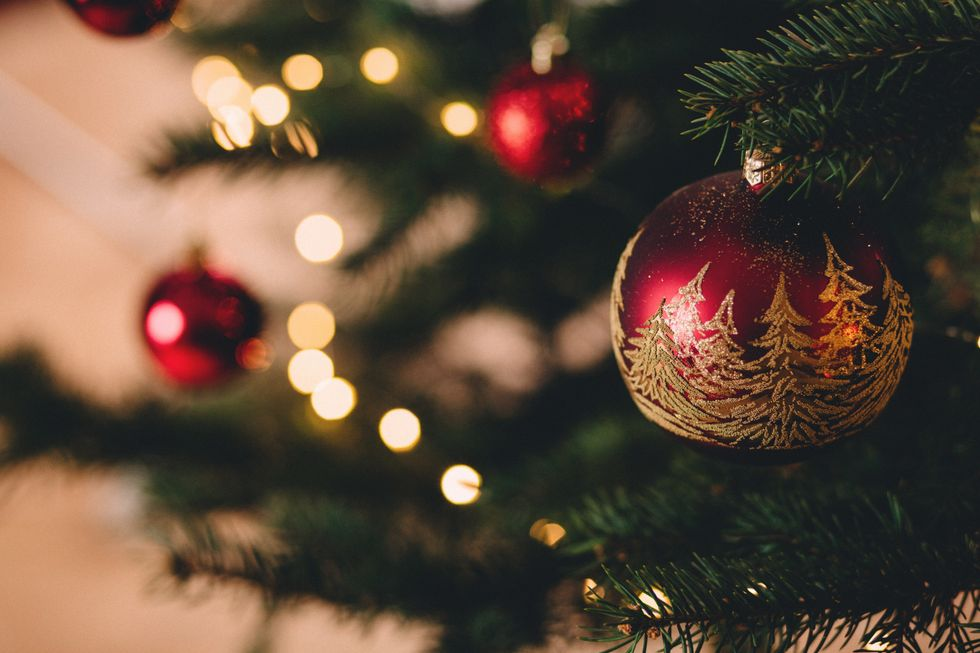 An Open Letter To People Who Decorate For Christmas Early